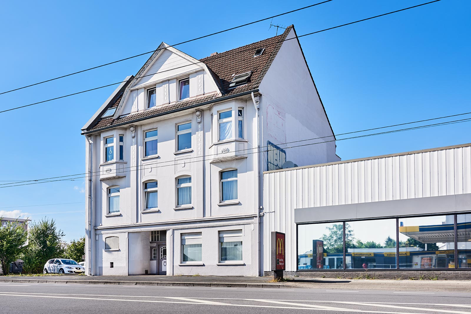 Immobilie in Solingen (Ohligs): Mehrfamilienhaus (8 Wohneinheiten) + Hinterhaus (gewerblich genutzt)