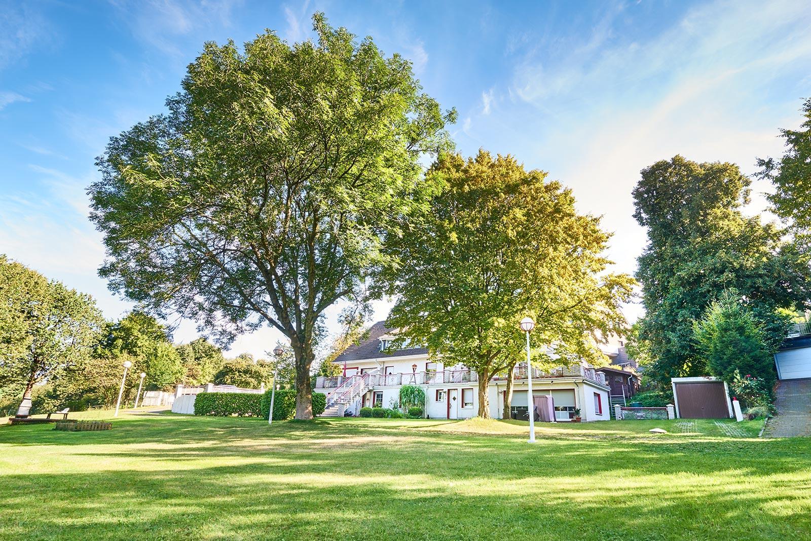 Immobilie in Velbert (Tönisheide / Neviges): Mehrfamilienhaus (7 Wohneinheiten)