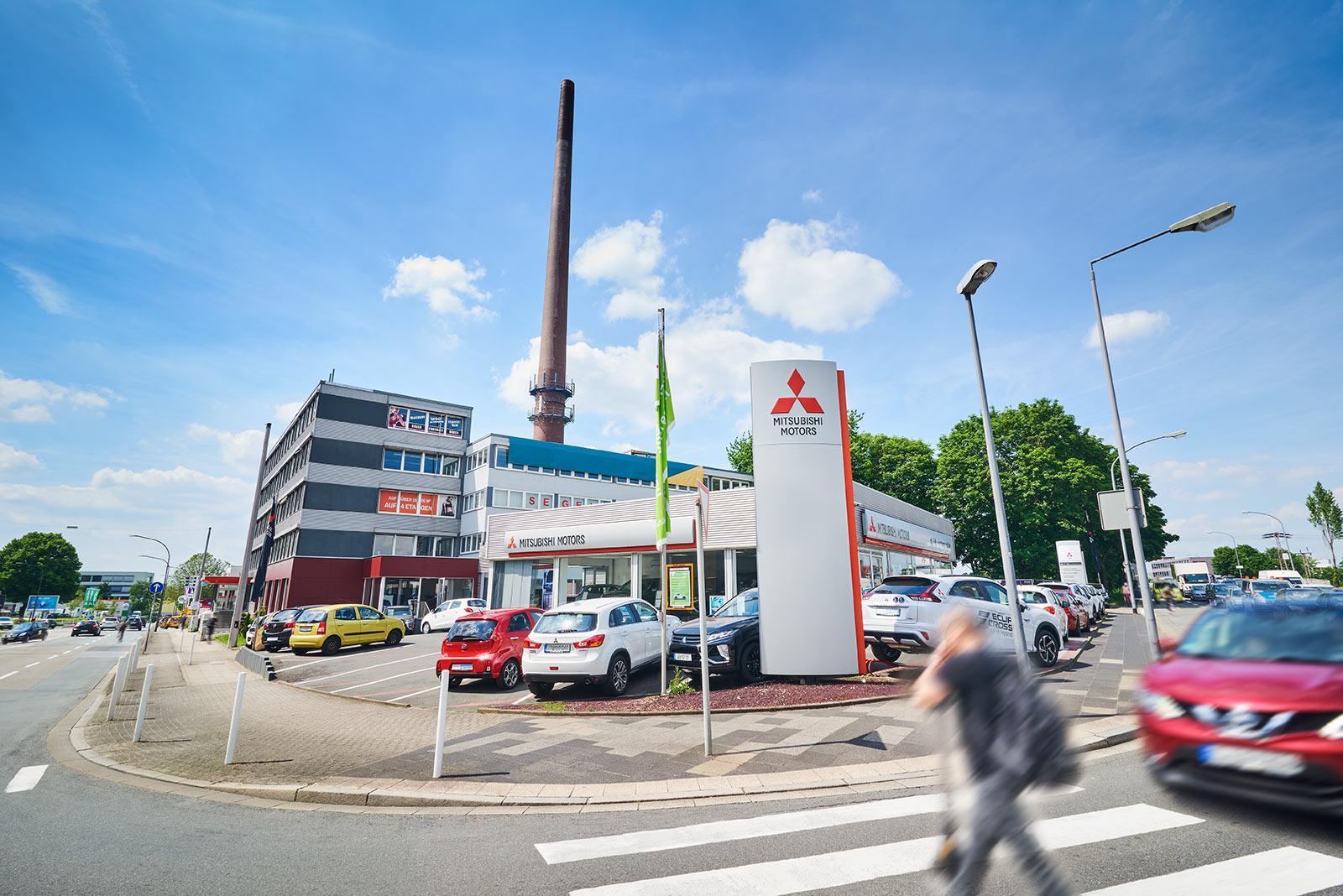 Immobilie in Essen (Frohnhausen): Multi-Tenant: Fitnessstudio, Büros, Autohandel, Segeltuchmacherei