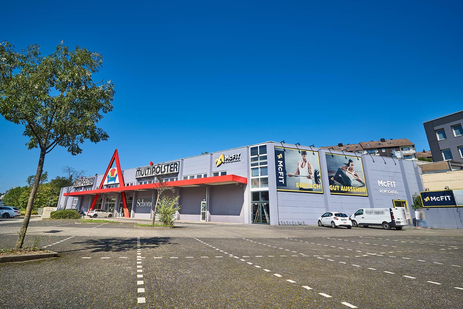 Immobilie in Remscheid (Süd): Multi-Tenant: Möbelgeschäft, Fitnessstudio, Küchenhandel